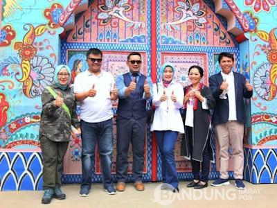 Emil Resmikan Wisata Baru The Great Asia Afrika Bandung